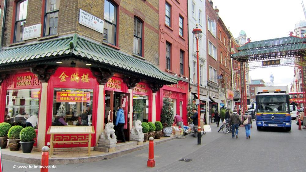 London, City of Westminster, London's Chinatown, Trafalgar Square, Charing Cross Road