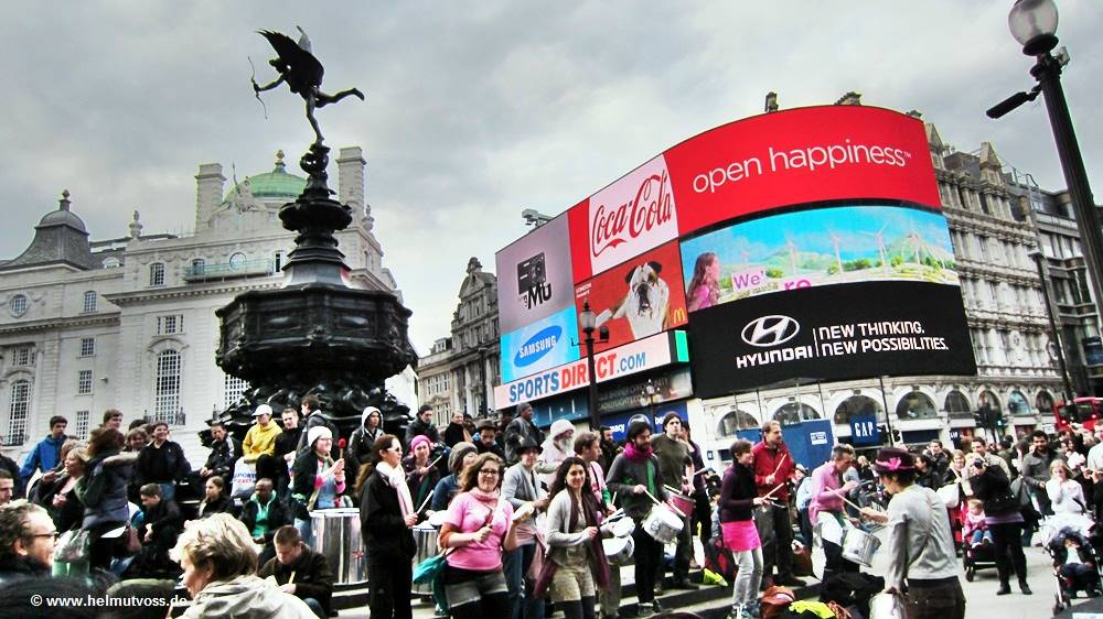 London Piccadilly Circus, City of Westminster, London's Chinatown, London's Soho, London Regent Street, Trafalgar Square, Charing Cross Road